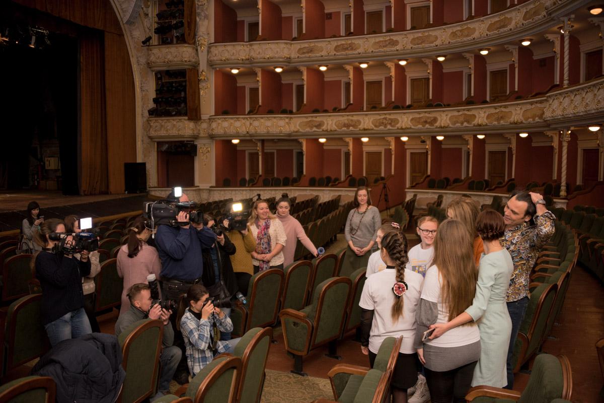 Встреча с народными артистами прошла в театре имени Франко