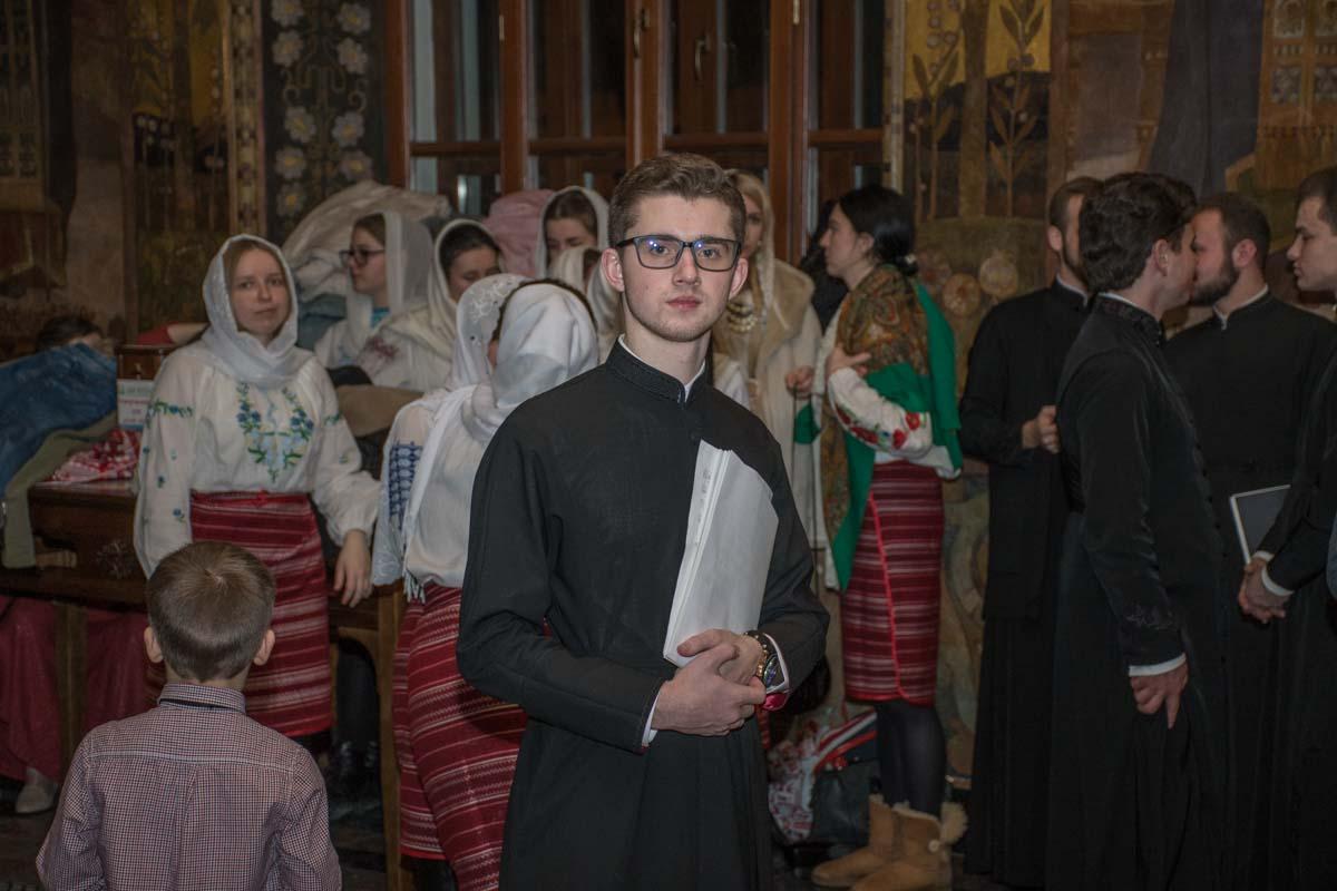 Студент духовной семинарии перед выступлением
