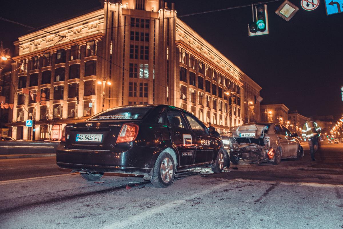ДТП произошло прямо в центре Киева - возле ЦУМа