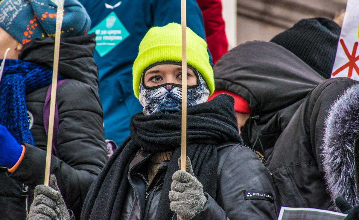 Специально для митинга активисты подобрали соответствующие образы