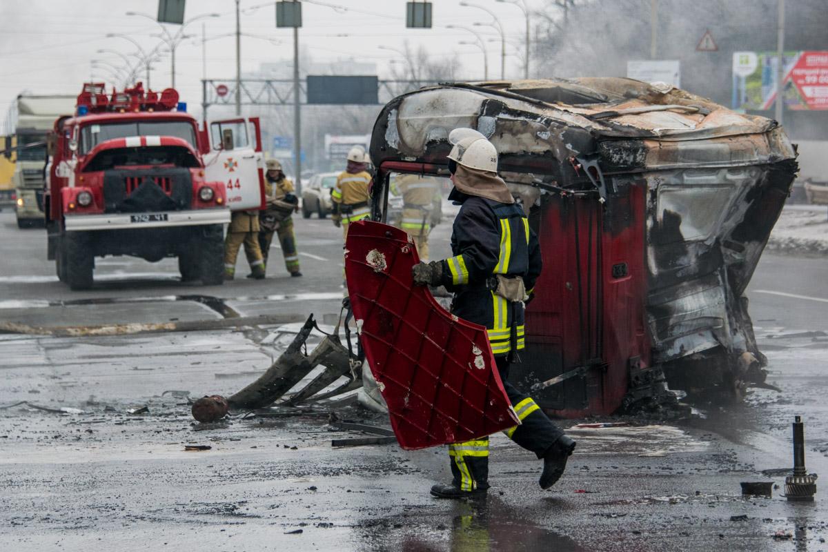 Спасатели и пожарные прибыли оперативно