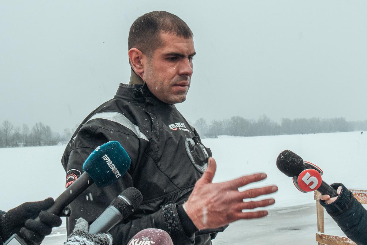 А после этого рассказали журналистам, почему не нужно пренебрегать правилами безопасности на воде