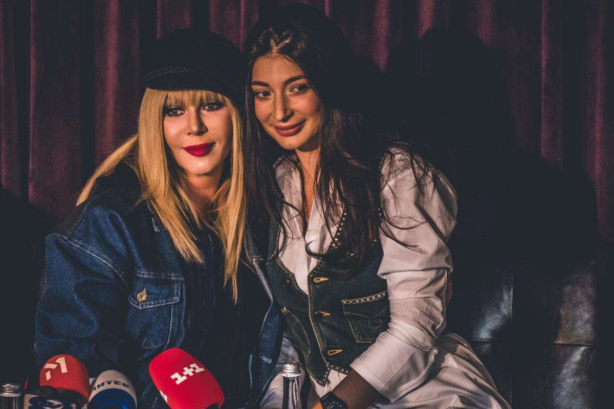 Ирина Билык рассказала, что в концертную программу вошли песни, написанные в разные годы