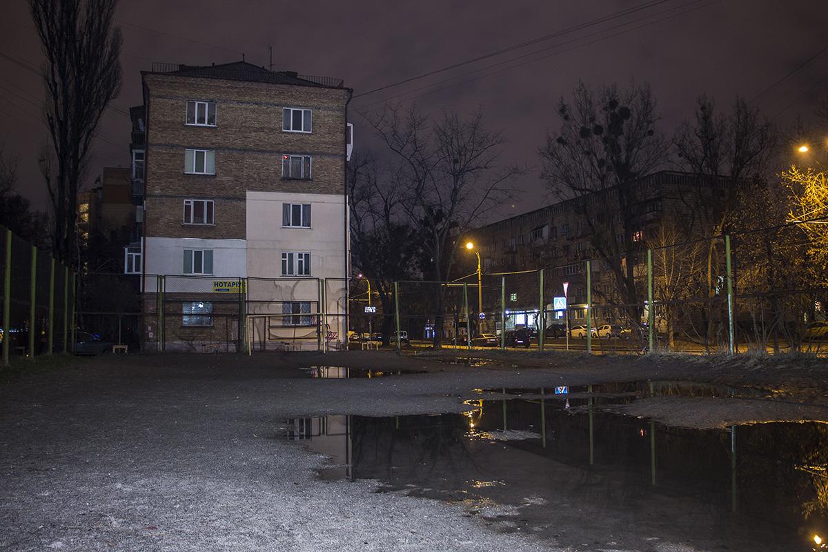 Ночью на улицах совсем пустынно