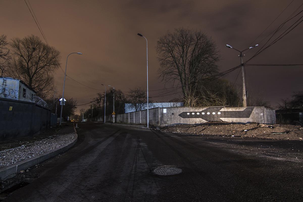 А утром по этой улице вновь будут ездить машины и ходить пешеходы