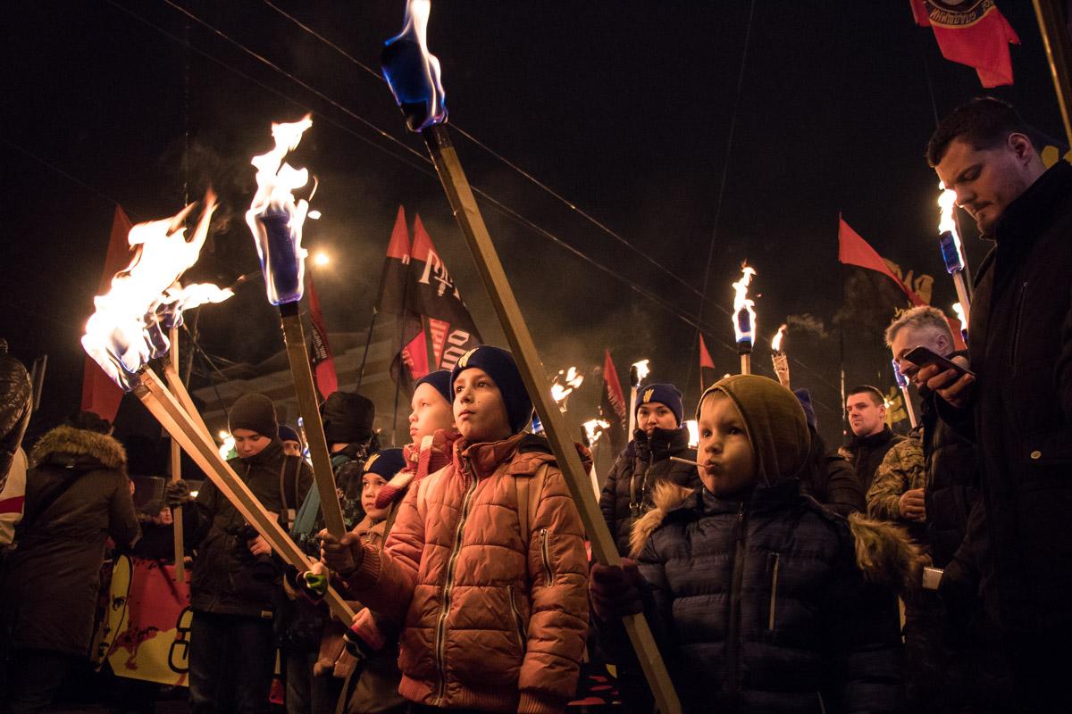 Юные участники шествия