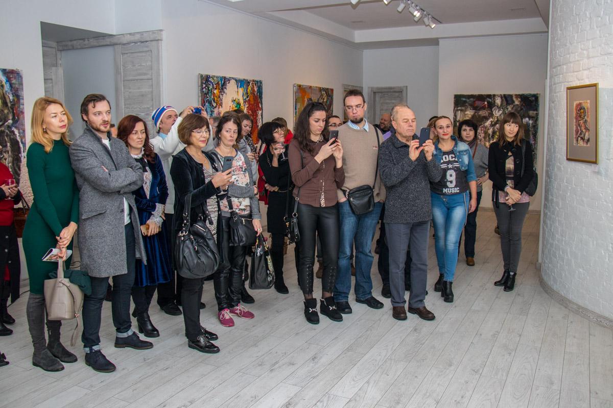 """Почитатели таланта украинского художника собрались в галерее """"Белый мир"""""""