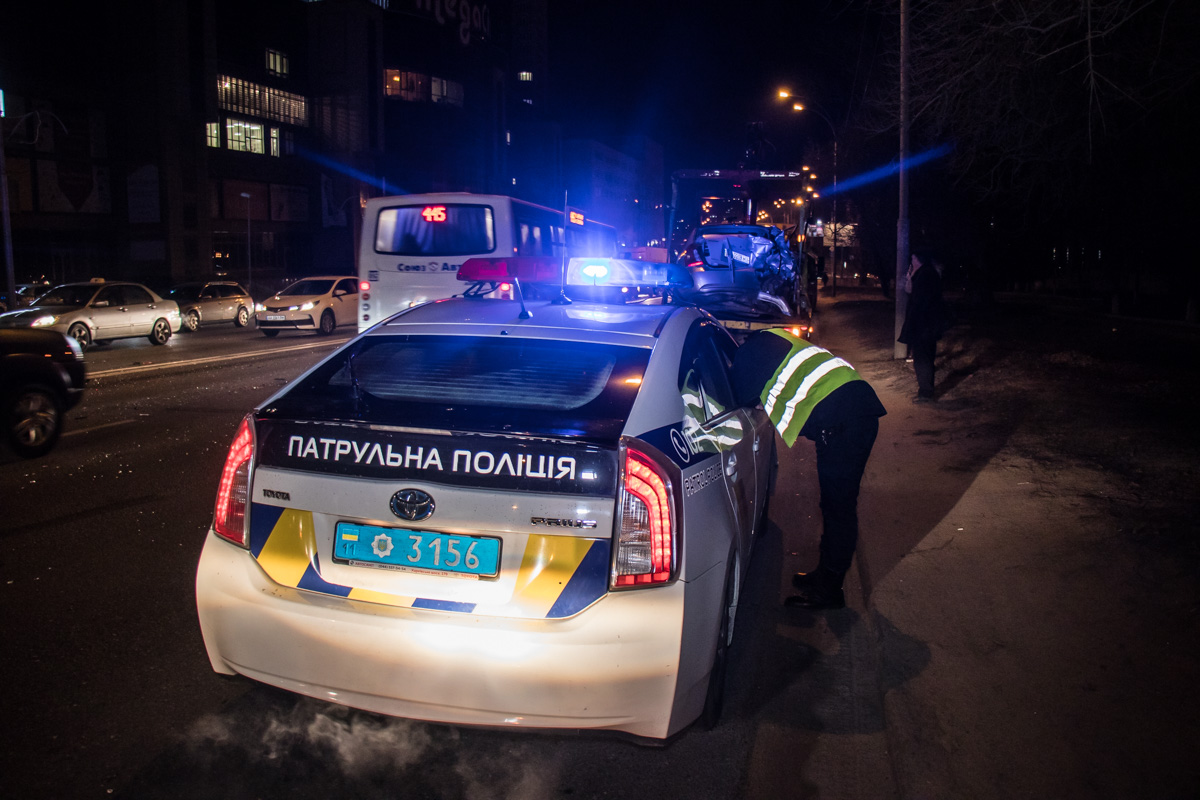 На месте работала патрульная полиция