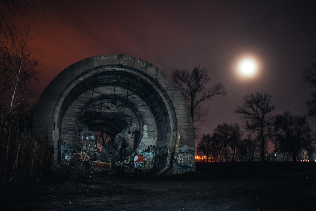 Секретный тоннель должен был быть внушительных размеров