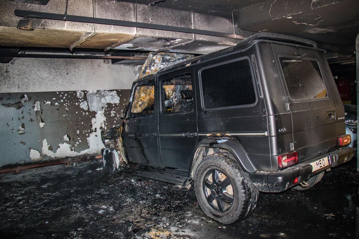 Хозяин считает, что его автомобиль подожгли