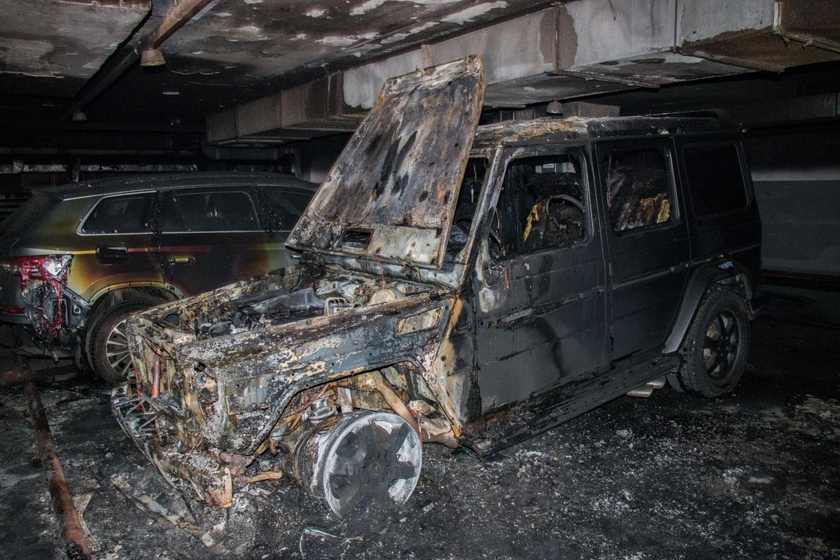 Это был автомобиль Mercedes Gelandewagen