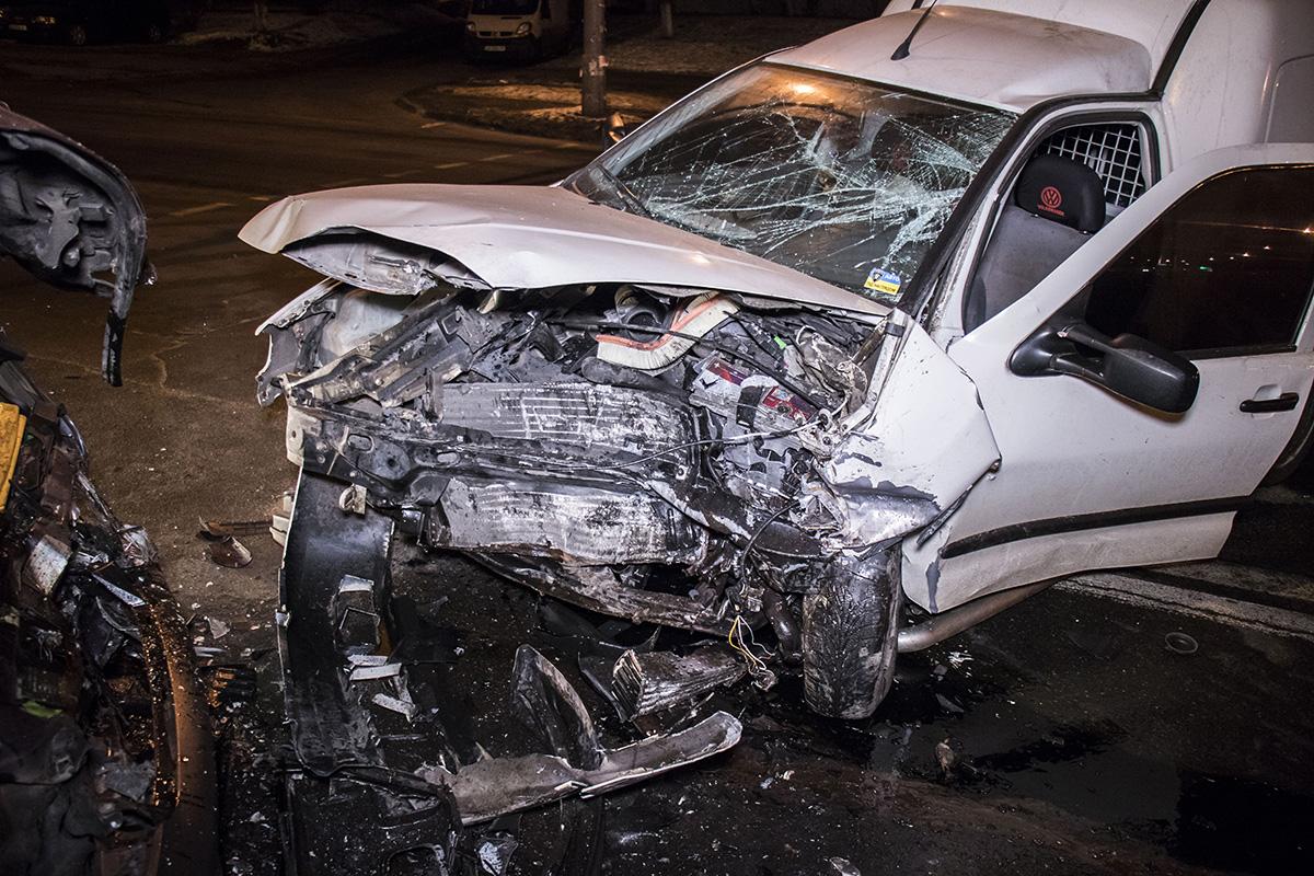 Есть подозрение, что мужчина за рулем Volkswagen был в состоянии алкогольного опьянения
