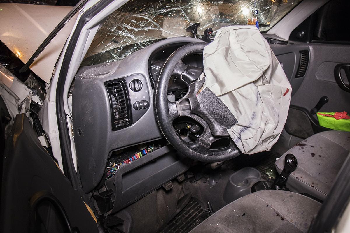 Водителя Volkswagen с подозрением на черепно-мозговую травму увезла «скорая»