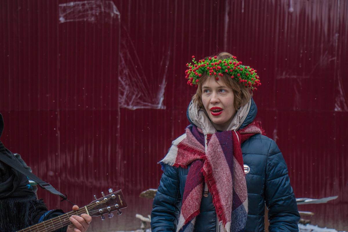 Щедровщики одели праздничные элементы