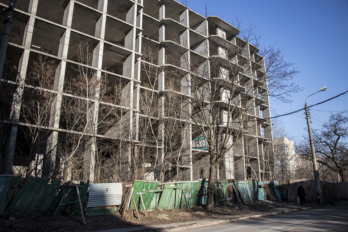 Богатые тоже плачут: элитное жилье так и не увидело свет