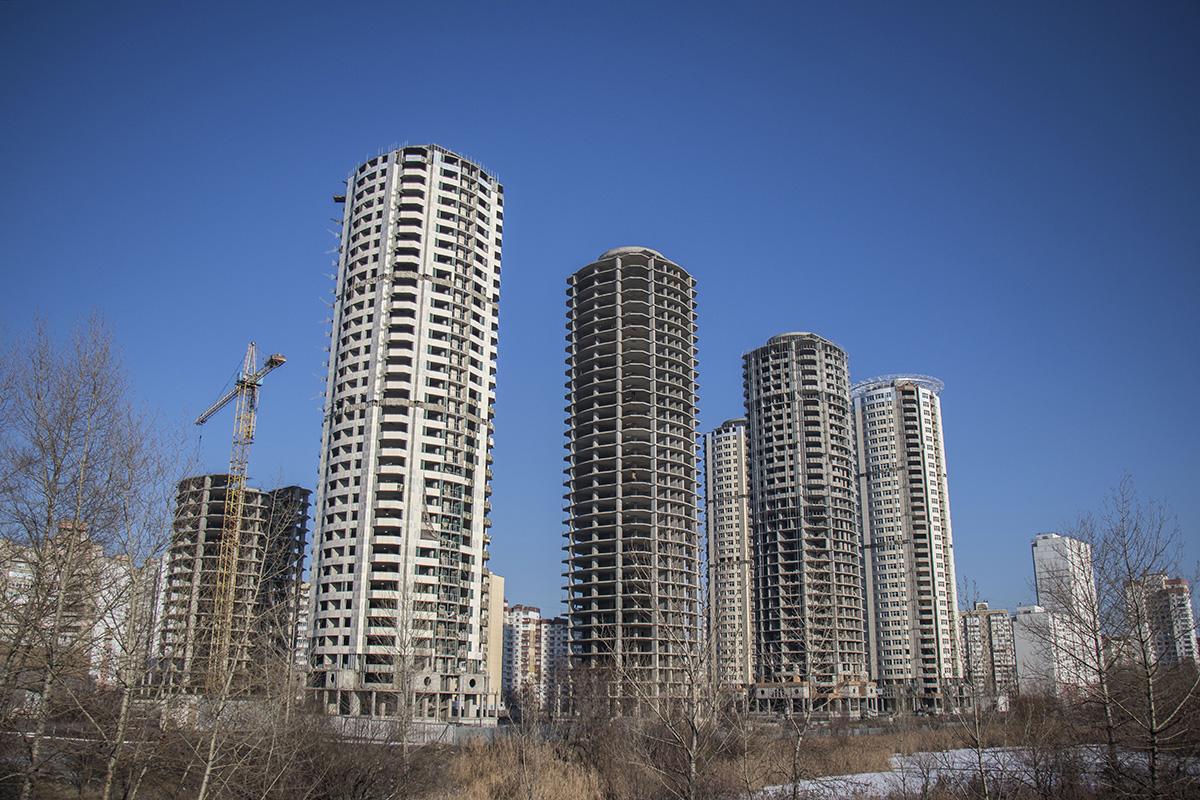 Троещина не увидела башен над Днепром