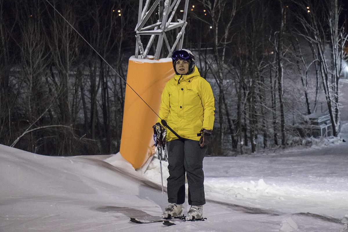 А некоторые лыжники чувствуют себя более уверенно
