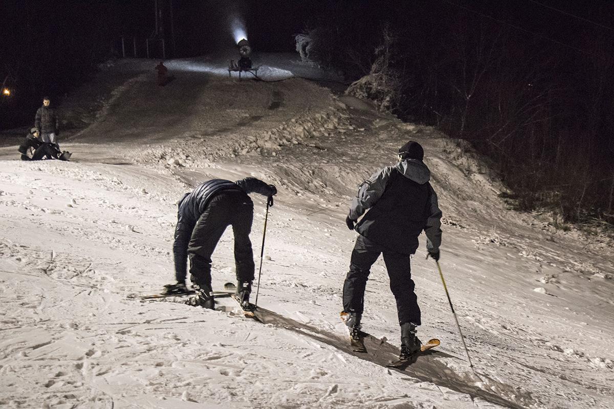 Кто-то только учится стоять на лыжах