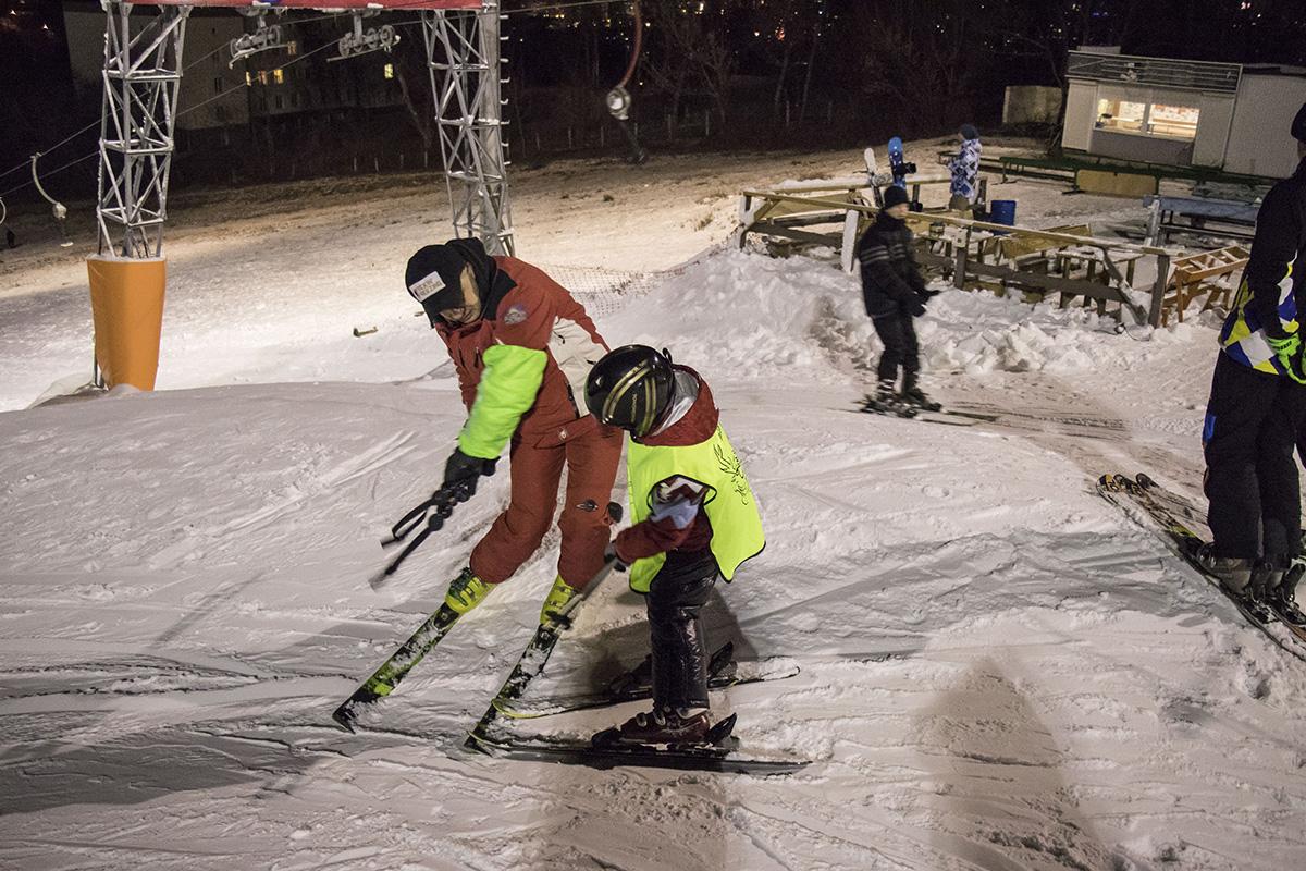 Первые успехи маленького лыжника