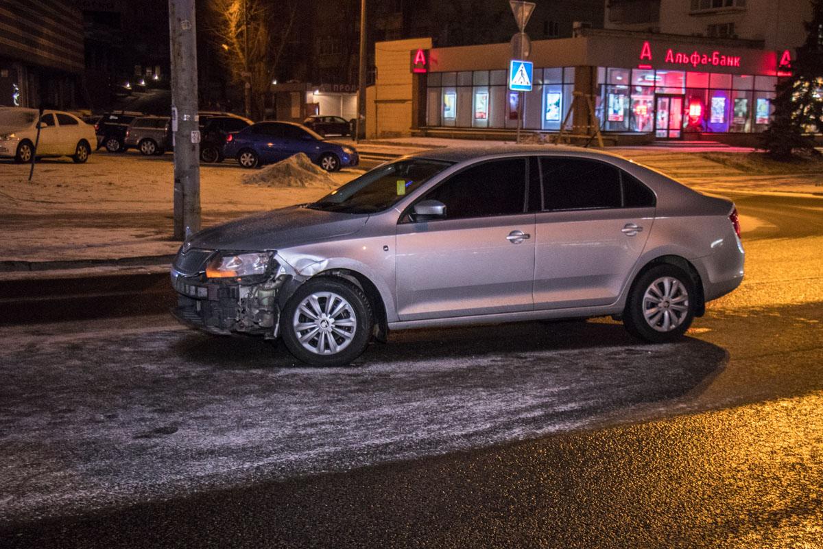 Из-за погоды повреждены автомобили