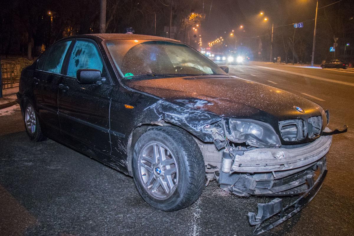 BMW на литовских номерах занесло на скользкой дороге