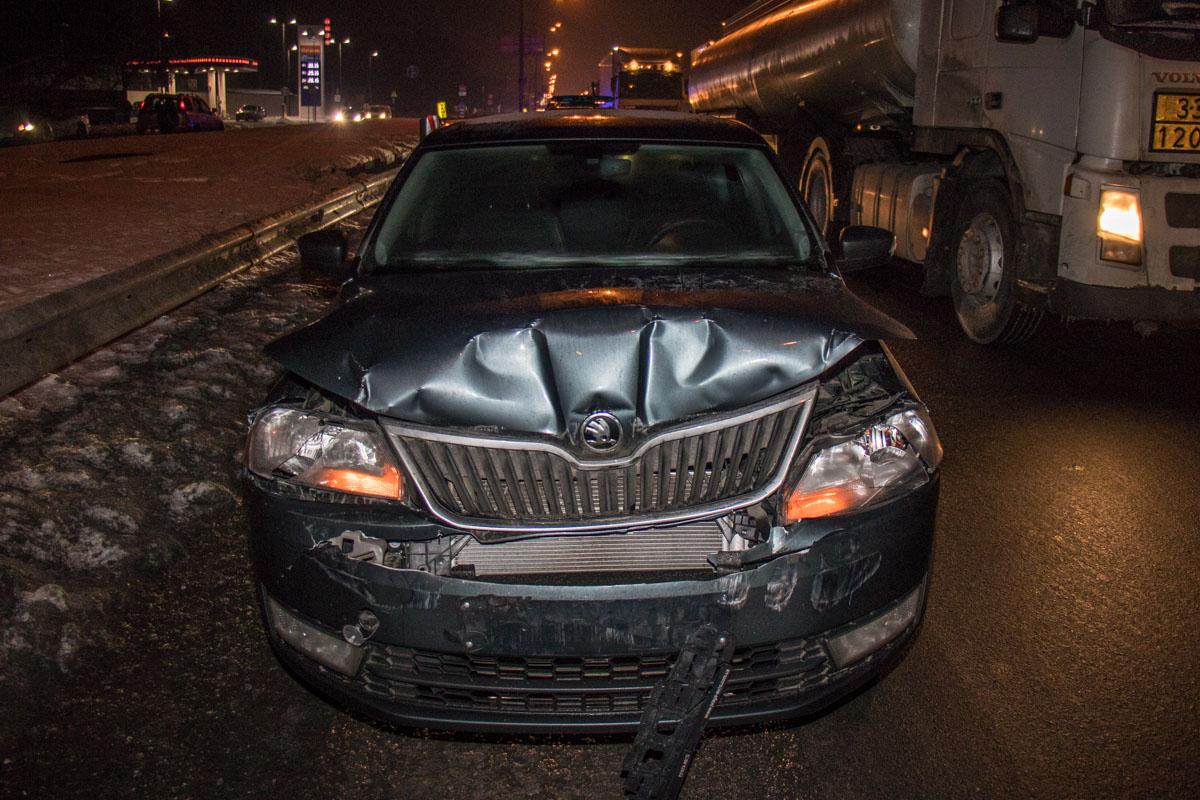 Из-за смертельной аварии сразу за местом гибели парня произошло еще одно ДТП