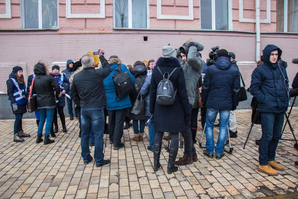 Количество журналистов в несколько раз превысило численность митингующих