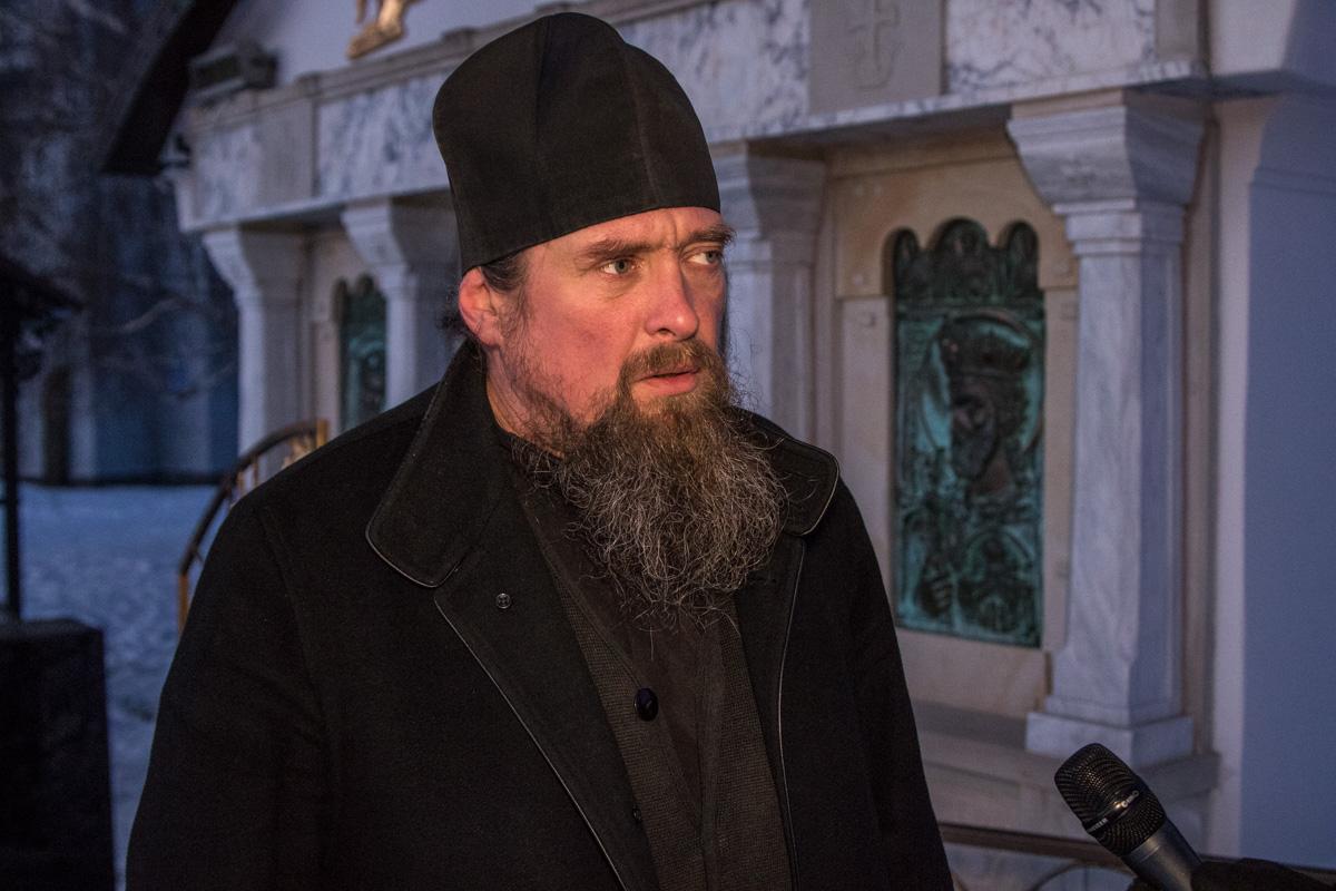 Насельник монастыря считает, что люди просто отвернулись от Бога