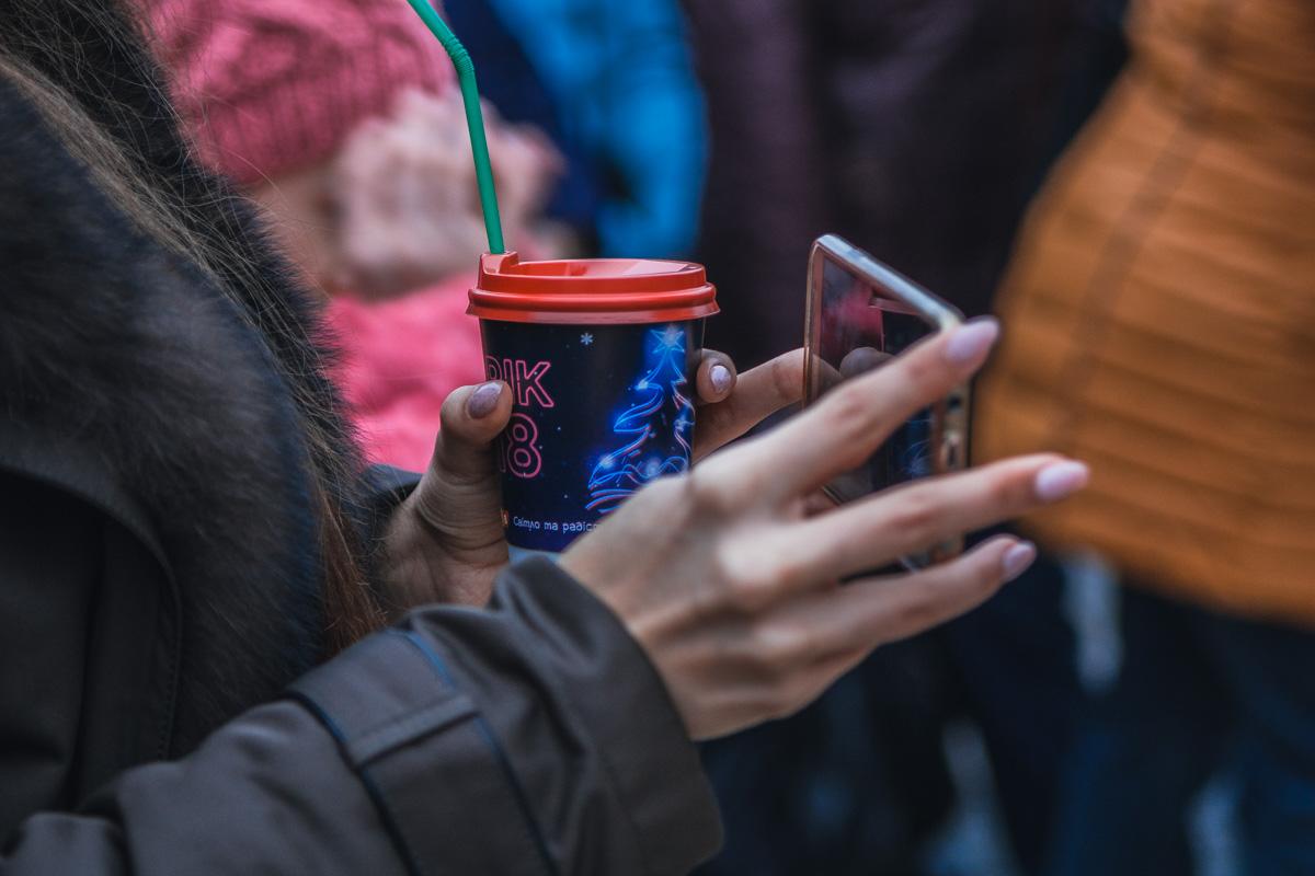 Новогодние праздники нельзя представить без глинтвейна и новых фото в Instagram