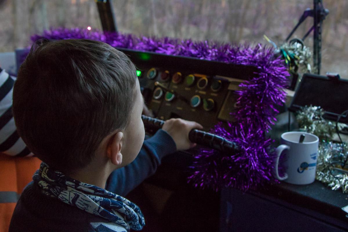 Юный пассажир попробовал себя в роли водителя трамвая