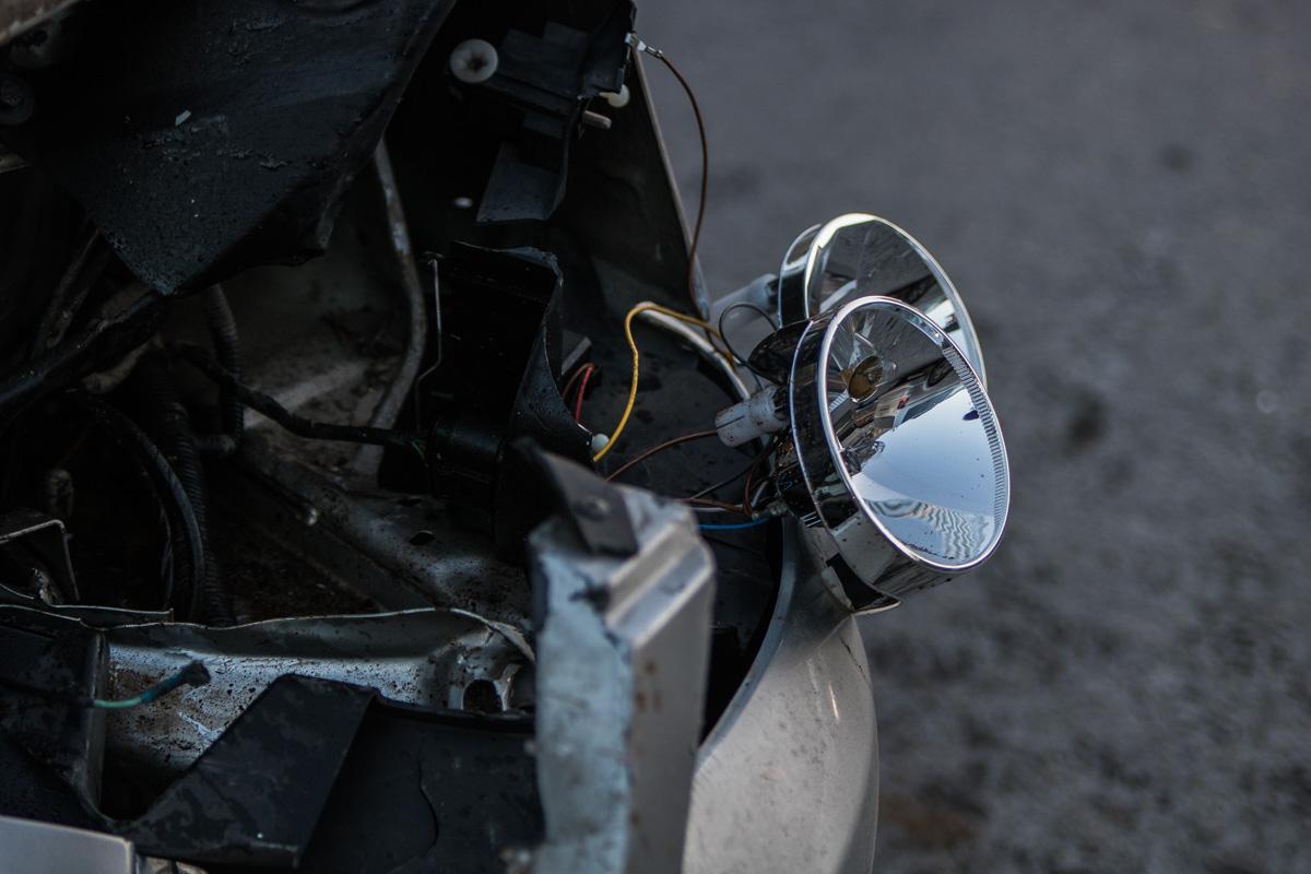 На месте аварии пассажиров и водителей авто нет