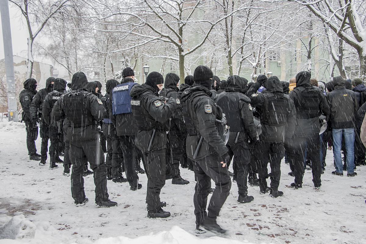 Спецподразделение полиции держало ситуацию под контролем