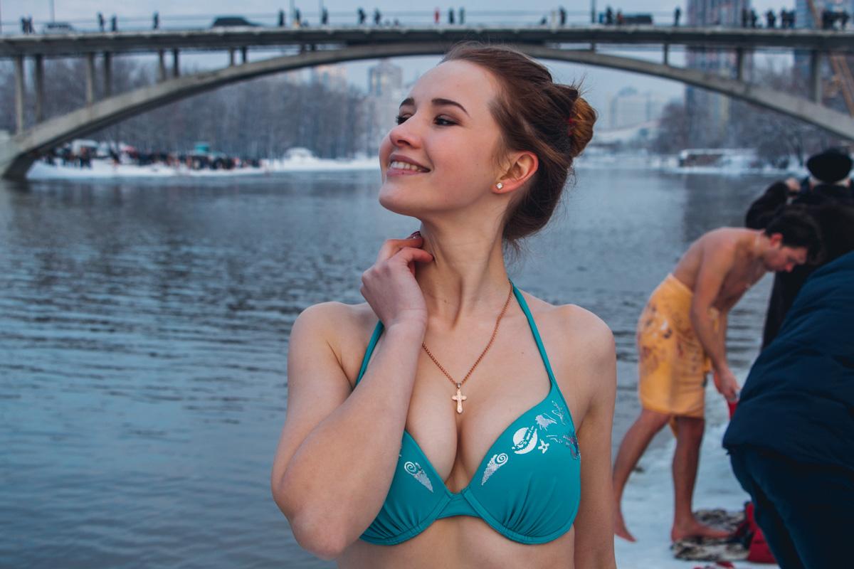 Девушки не только купались, но и позировали
