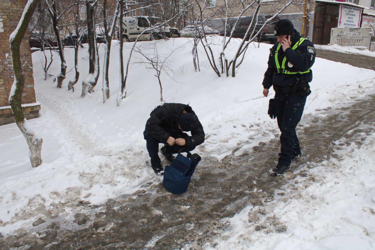 На проспекте Науки,33 неизвестные устроили стрельбу