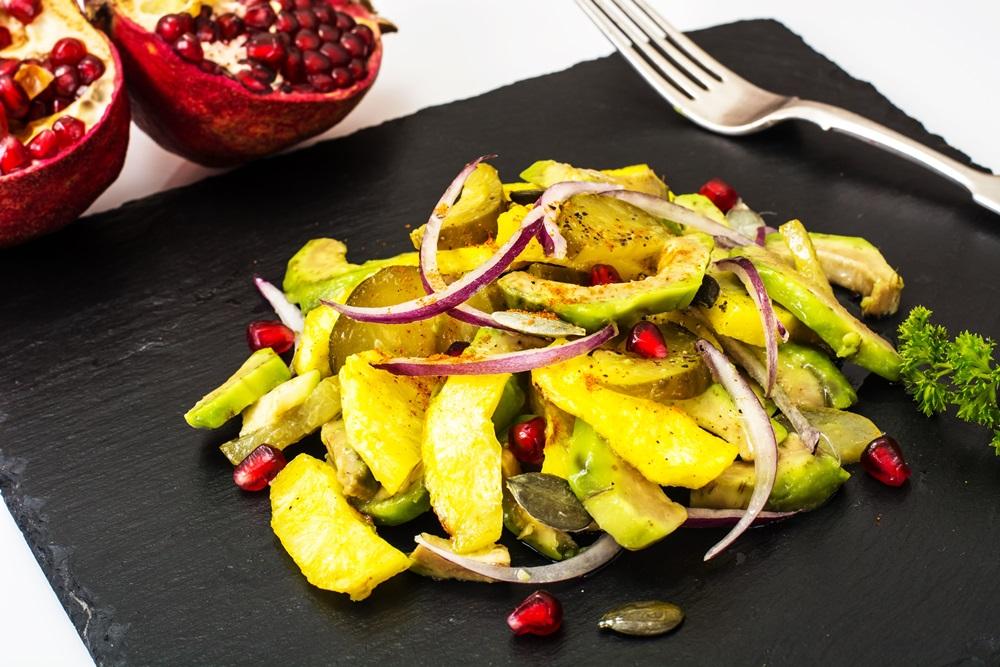 Запеченный картофель с авокадо