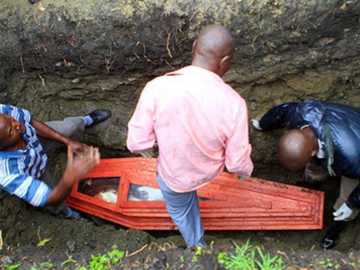 Жительница южноафриканской Мбизаны (Восточно-Капская провинция) родила после смерти