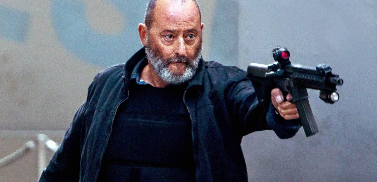 Жан Рено сыграет наемного убийцу, который спасет от гибели девушку