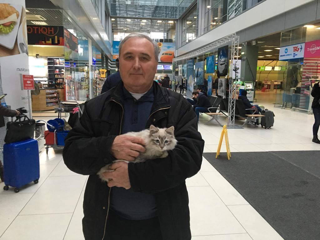 Новый хозяин кошечки Жуляны