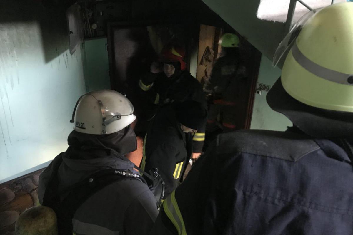 В тушении принимали участие 32 спасателя