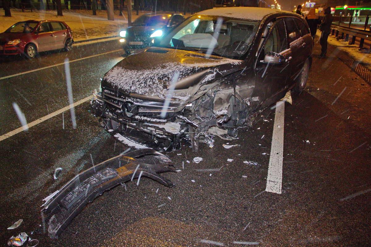 Mercedes получил значительные повреждения