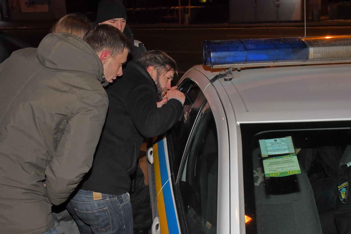 Сотрудники полиции контролировали ситуацию во избежание самосуда