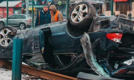 Виновника масштабного ДТП в Киеве нашли пьяным в подъезде
