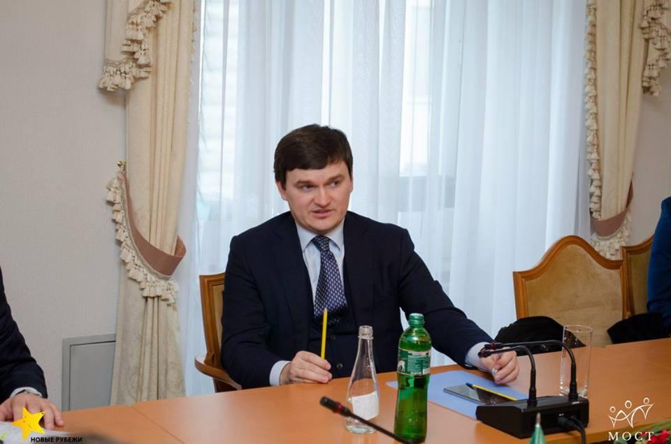 Также Валерий заслуженный адвокат Украины