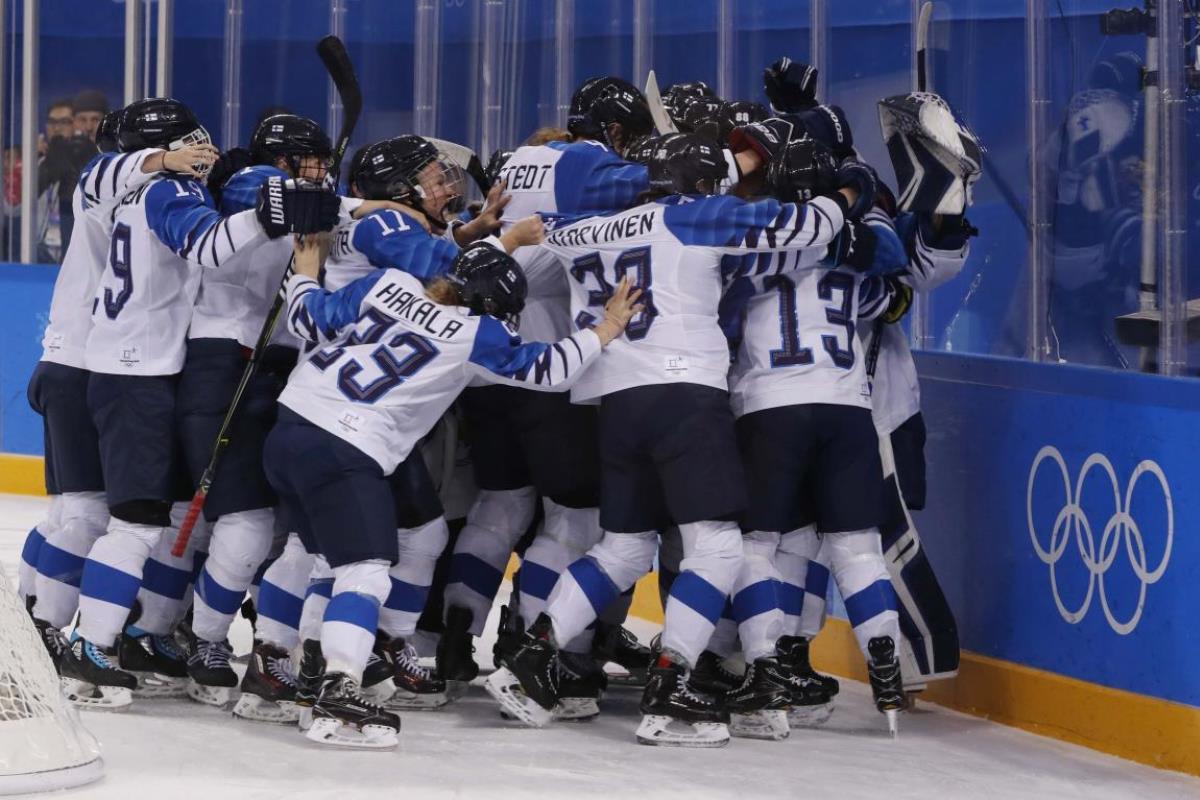 Финляндия - атлеты из России (5:1)