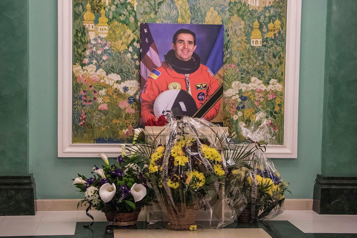 В Киеве прошла панихида по первому украинскому космонавту Леониду Каденюку