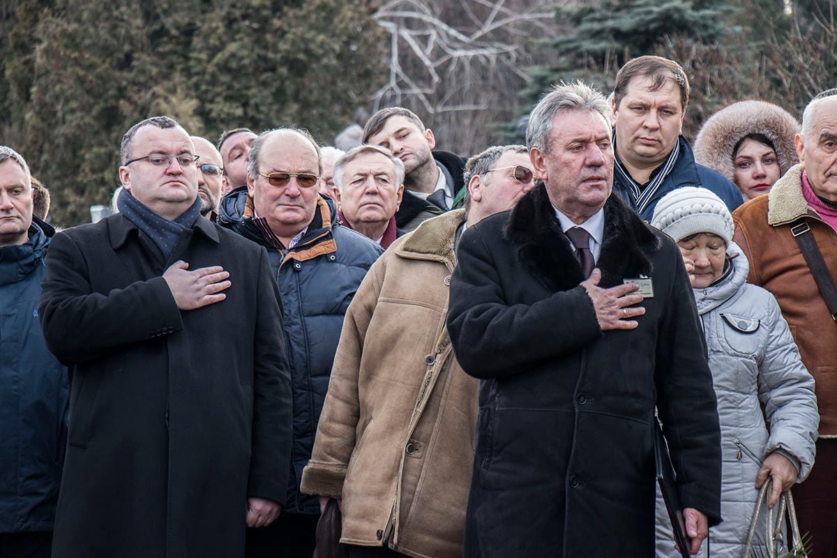 Каденюка похоронили под звуки гимна Украины