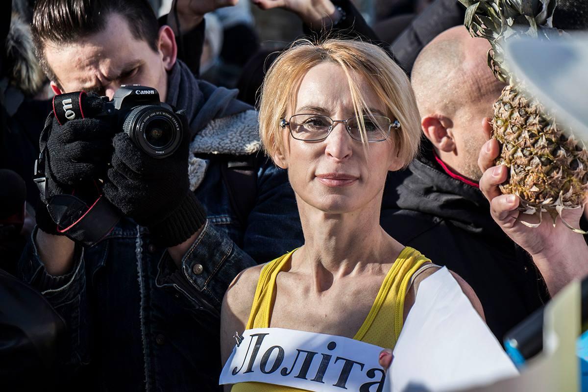 Специально для Порошенко активисты включи мировой хит Despacito