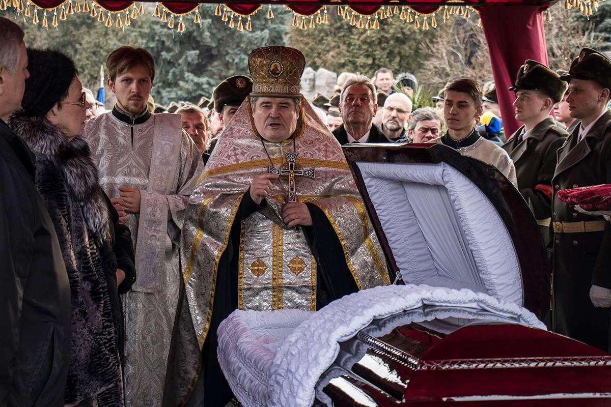 В столице провели в последний путь Леонида Каденюка