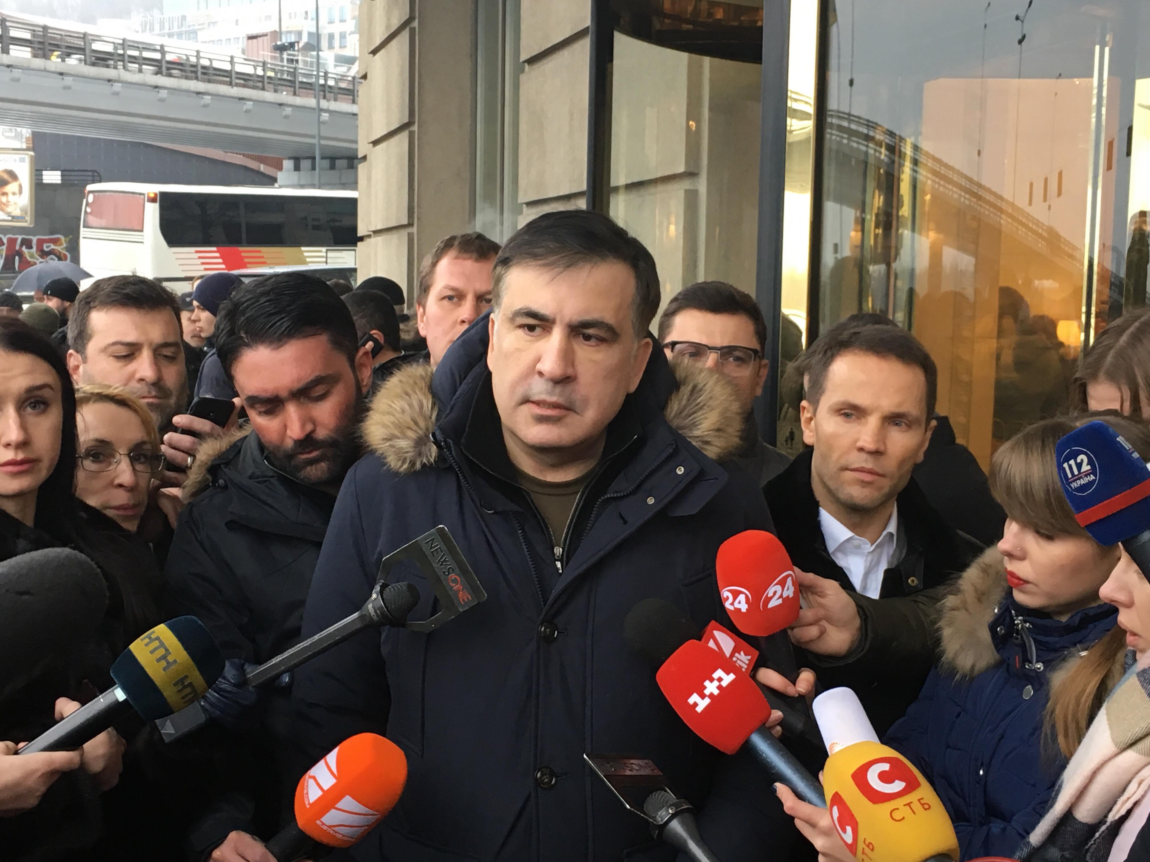 Через пару минут свое неудачное задержание прокомментировал сам Михаил Саакашвили