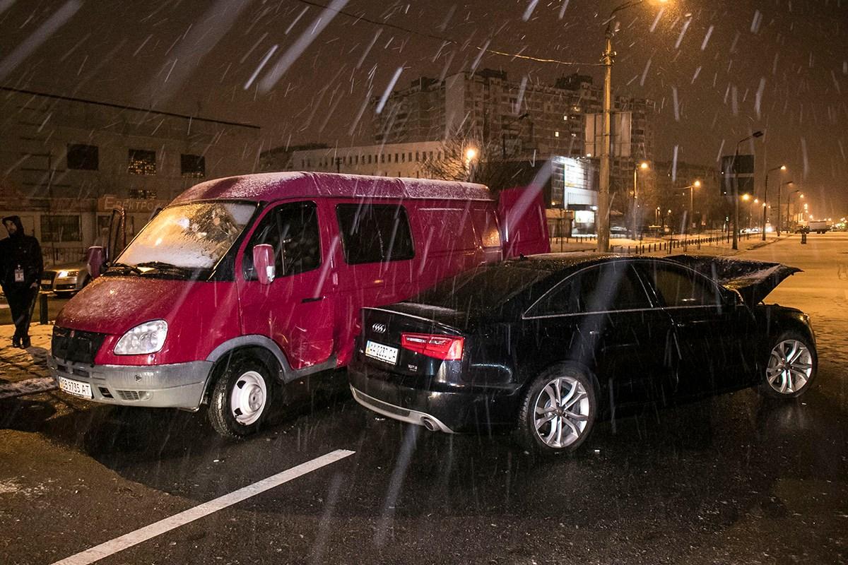 Audi врезался в грузовик на улице Ревуцкого